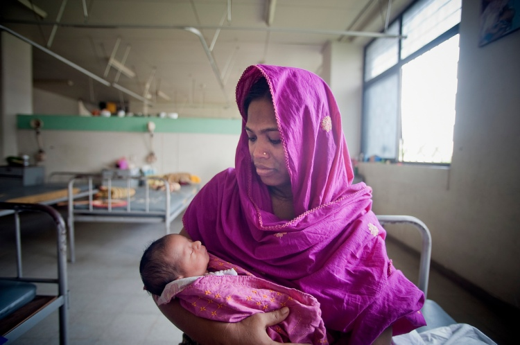 MATERNAL & INFANT MORTALITY IN DEVELOPING COUNTRIES